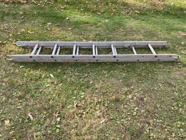 Photo 16 Foot Aluminum Extension Ladder - $65 (Brownsburg - Indy West)