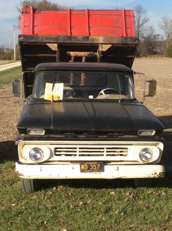 Photo 1962 Chevrolet C 30 truck with a dump bed - $4,200 (Shelburne Indiana)