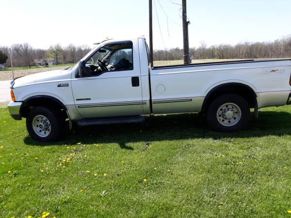 Photo 1999 Ford F250 Diesel 4x4 Truck - $10000 (Clinton)
