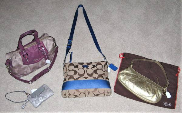 Photo 30 Bags  Purses...COACH, MK, Vera,sak, Fossil, Dooney, Brighton, 31, - $12,345 (Greenwood)