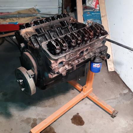 Photo 92 Small Block Chevy Core - $125 (Seelyville)