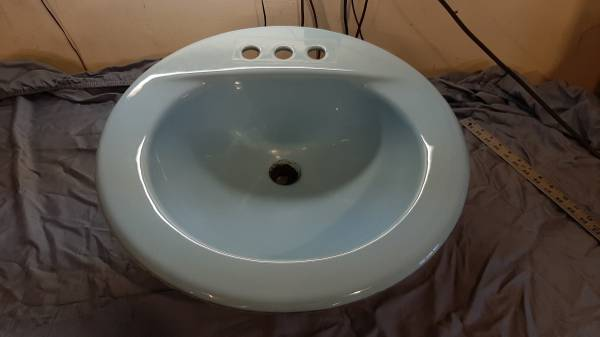 Photo Cast Iron Sink 197039s Powder Aqua Blue Porcelain 19quot - $75 (Charleston, IL)
