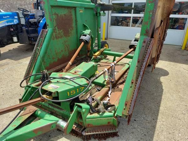 Photo John Deere 1517 Mowing deck (15 FT) - $5,950 (BEREA)