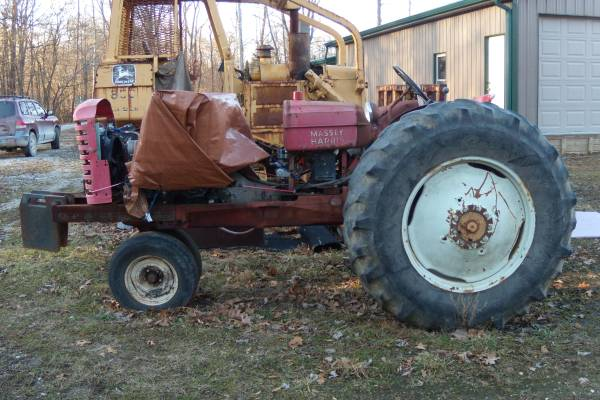 Photo Old Modified Pulling Tractor and Pulling Tires for Sale - $1,400 (TERRE HAUTE)