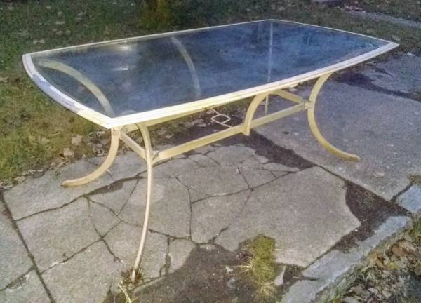Photo Patio Table with Glass Top and Aluminum Frame - $27 (Indianapolis downtown)