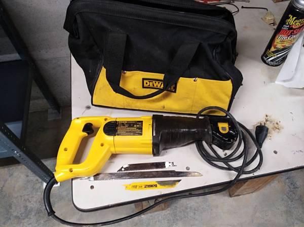 Photo Tools 120 V Electric Sears blower, Dewalt sawzall, Craftsman, trade - $30 (Bloomfield, IN)