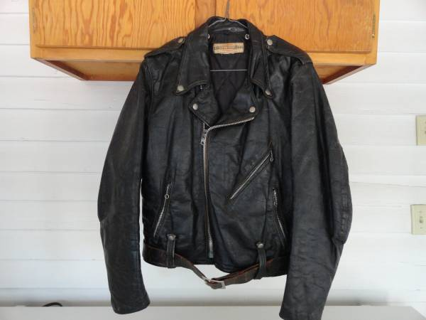 Photo Vintage Harley Davidson Black Leather Jacket M S - $75 (NW of Cowden, IL)