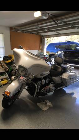 Photo 2012 Harley Ultra Classic with Trailer - $10,500 (ARP)