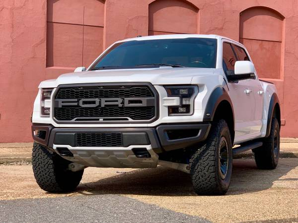 Photo 2018 Ford Raptor - $58,000