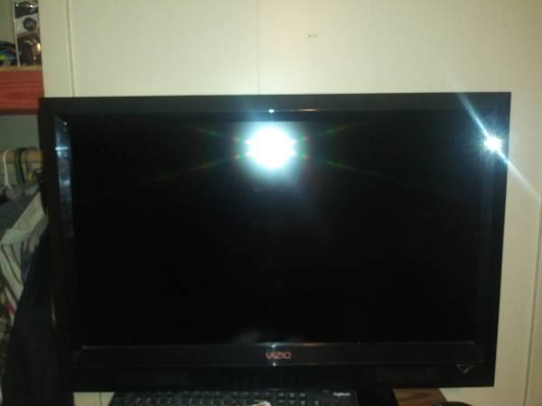 Photo 32 inch vizio tv - $50 (Longview)