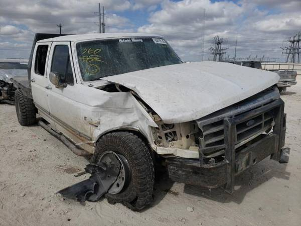 Photo FOR PARTS A 1997 FORD F350250 7.3 DIESEL 4X4 5SPEED MANUAL TRANS (NEVADA TX 75173)