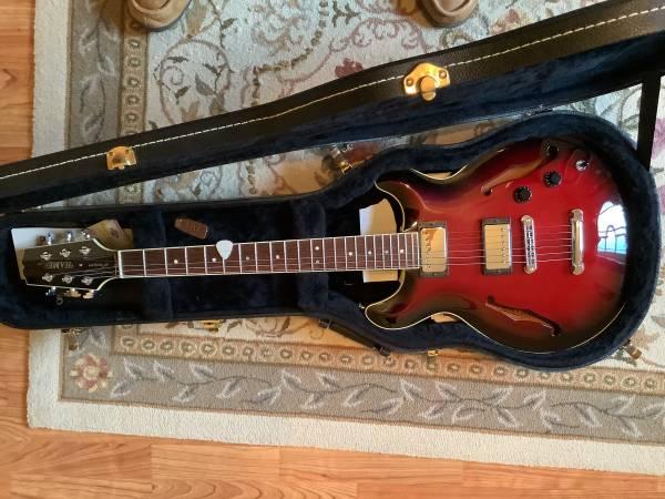 Photo Hamer electric guitar - $1,995 (Greenwood)