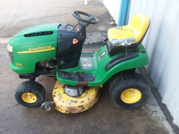 Photo John Deere L110 riding lawn mower only 295 hours 17.5 hp Kohler eng - $500 (searcy)