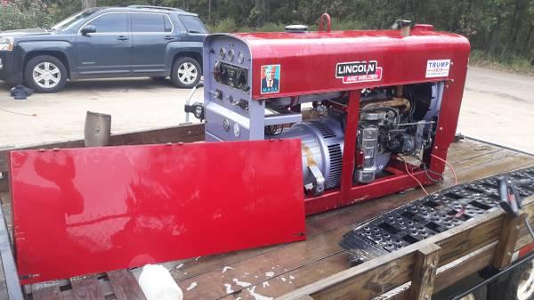 Photo Lincoln sa 200 welding machine - $4,500 (Hughes Springs)