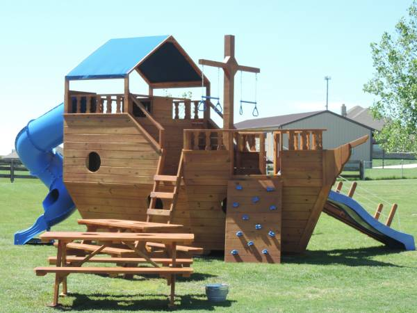 Photo Pirate Ship Playscape, Play Set, Swingset (Texarkana and Surrounding Area)