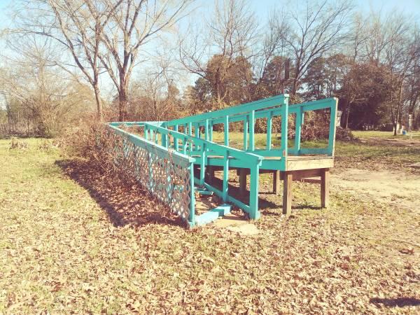 Photo Used decks, rails, r, lumber, etc. Mobile Home Park has closed. - $2 (Longview)