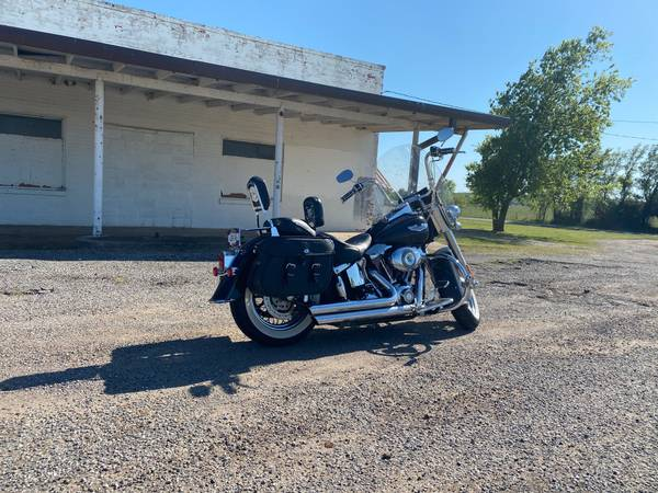 Photo 09 Harley Softail Deluxe - $7,000 (Durant)