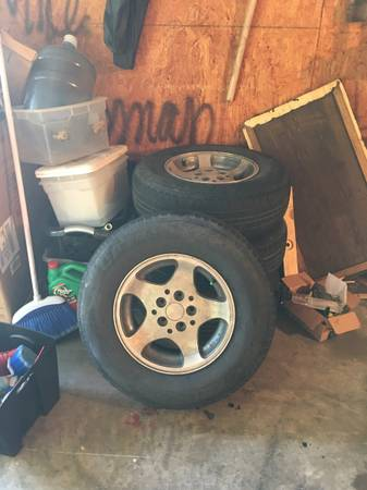 Photo 15 Jeep Wheels CASH or TRADE - $200 (Sherman)