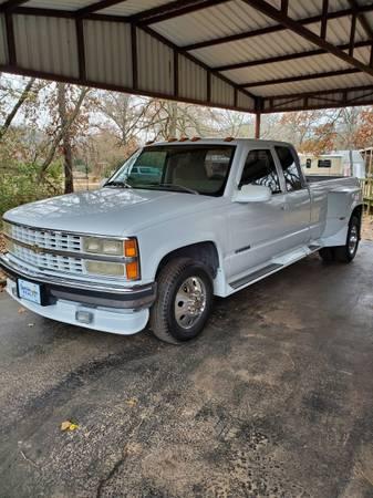 Photo 1993 Chevy 3500 Dually - $7,800 (Madill OK)