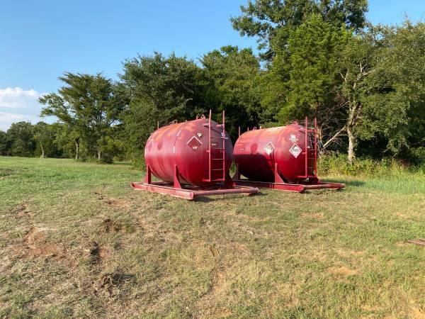 Photo 2,000 Gallon Diesel Fuel Tank - $4,500 (Whitesboro)