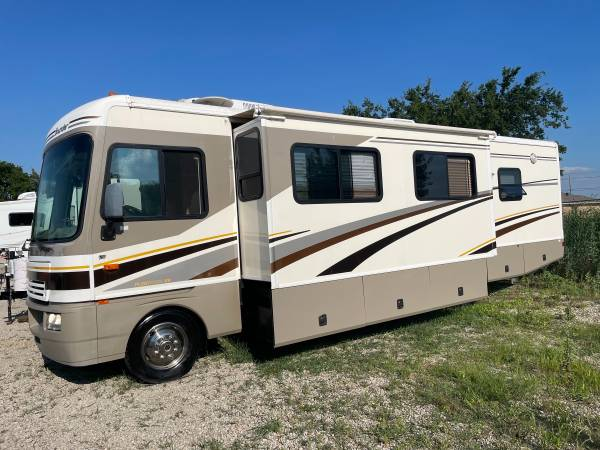 Photo 2003 Bounder 32ft class a motorhome with two slides Ford v10 49k Miles - $26,500 (Wylie)