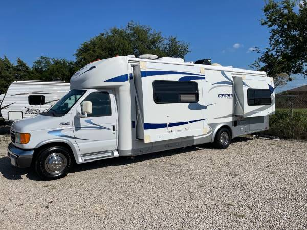 Photo 2005 Concord 27ft class b motorhome with two slides Power jacks - $30,000 (Wylie)
