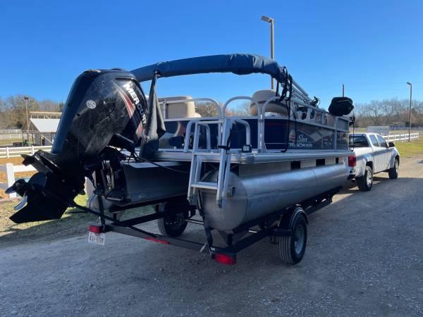 Photo 2019 75HP 18 Foot Sun Catcher Custom Pontoon - $25,000 (McKinney)