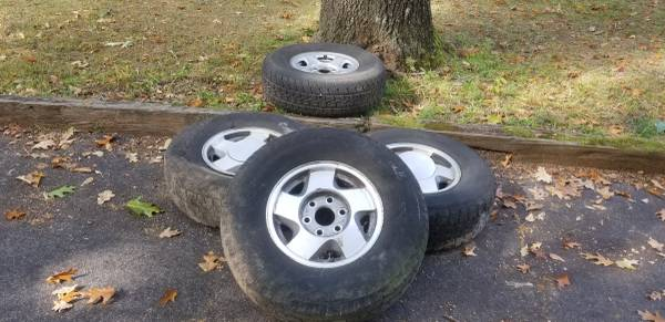 Photo 3 6 lug chevy wheels and spare - $65 (Durant)