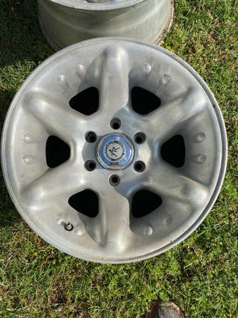 Photo American Racing 6 Lug Chevy Toyota alloy wheels, 16x10 - $200 (Bells)