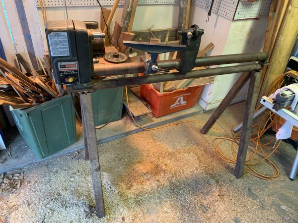 Photo Craftsman 12 wood lathe - $100 (South Arlington)