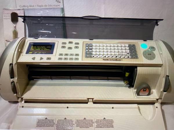 Photo Cricut Expression CREX001 Electronic Cutter Crafting Mach. 5 Cartridge - $100 (Desoto)