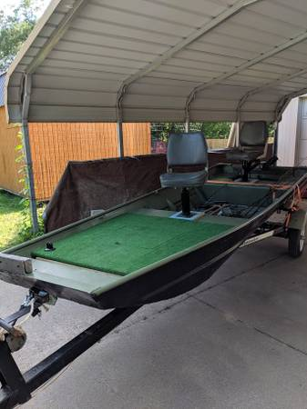 Photo Flat bottom boat with trailer - $950 (Lindale)