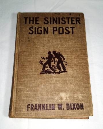 Photo Hardy Boys The Sinister Sign Post - $10 (allen,tx)