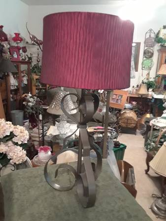 Photo LARGE RETRO METAL LAMP WITH RED SATIN SHADE AND RED GLASS BALL FINIAL - $35 (SHERMAN, TX)
