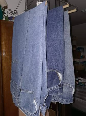 Photo MENS JEANS WRANGLER AND FADED GLORY - $6 (SHERMAN, TX)