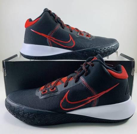 Photo Mens Nike Size 9 - $75 (Bonham, Texas)