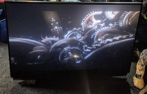 Photo Mitsubishi 65quot TV - $80 (Crowley)