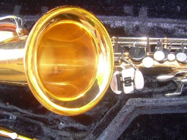 Photo Selmer AS-300 alto sax - like NEW condition Money-back guarantee. - $485 (Irving, Las Colinas)