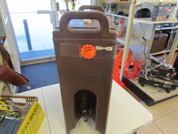 Photo Used - Cambro (500LCD) 4-34 gal Beverage Carrier - Camtainer - $60 (Guthrie)