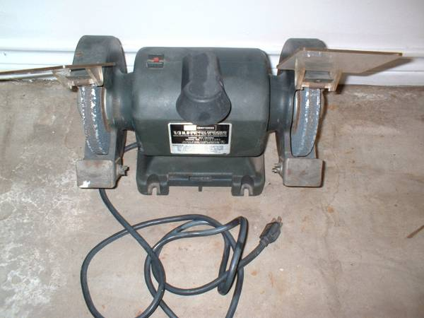 Photo VINTAGE SEARS CRAFTSMAN 13 HP BENCH GRINDER - $35 (DENTON)