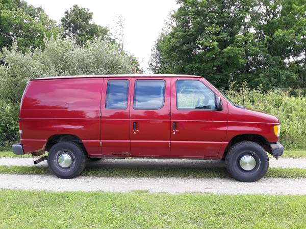 Photo 2002 Ford E-350 Van - $2,950 (Attica)