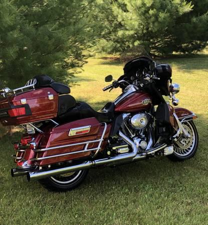 Photo 2010 Harley Davidson Ultra Classic - $11,900 (North Branch)