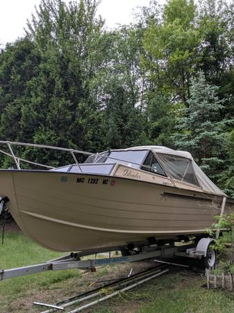 Photo 22 Ft. Starcraft Islander - $3500 (Dryden)
