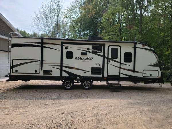 Photo Cer 2018 Heartland Mallard 28ft - $21,500 (Gladwin)