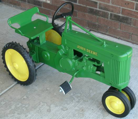 Photo Eska John Deere Small 60 Pedal Tractor with Wagon - $800 (Clifford, The Warehouse)