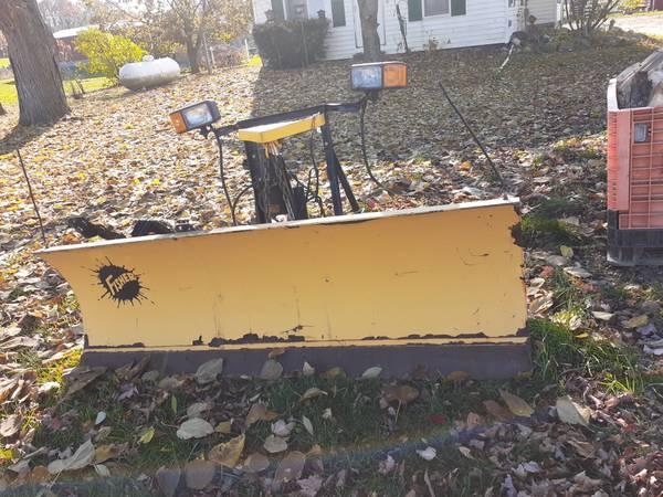 Photo Fisher snow blade - $650 (Attica Michigan)