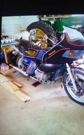 Photo Honda 1000 goldwing - $400 (Lapeer)