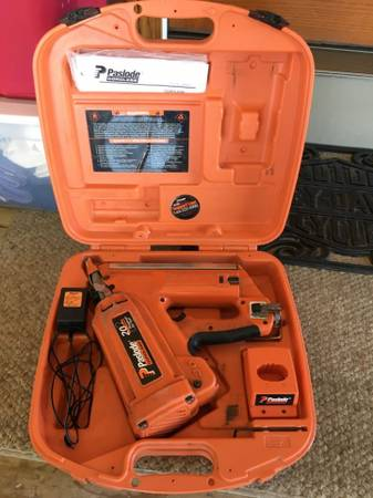 Photo PASLODE Cordless Framing Nailer 900420 - $140 (PORT AUSTIN)