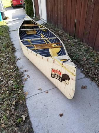 Photo Radisson 14 Foot Canoe - $650 (Lapeer)