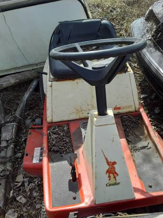 Photo Simplicity garden tractor - $200 (Imlay city)